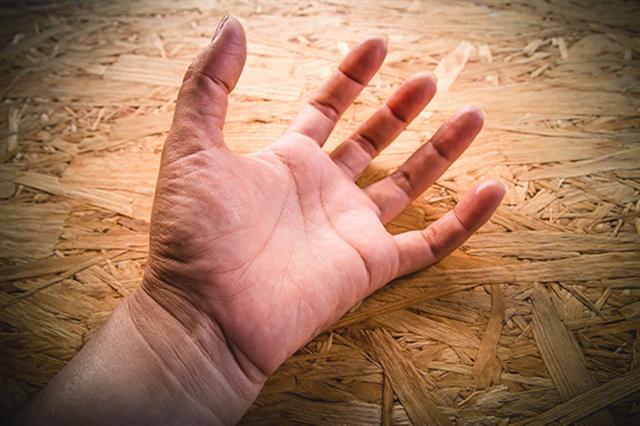 癲癇症一般表現為患者身體局部呈現有節律性的抽搐。(Shutterstock)