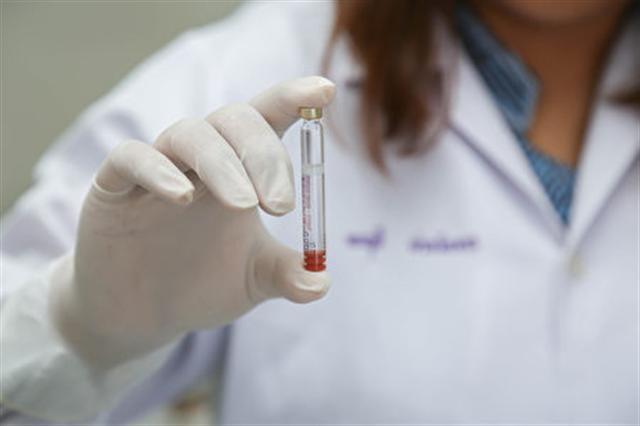 臨床試驗的益處與風險並存。(Shutterstock)