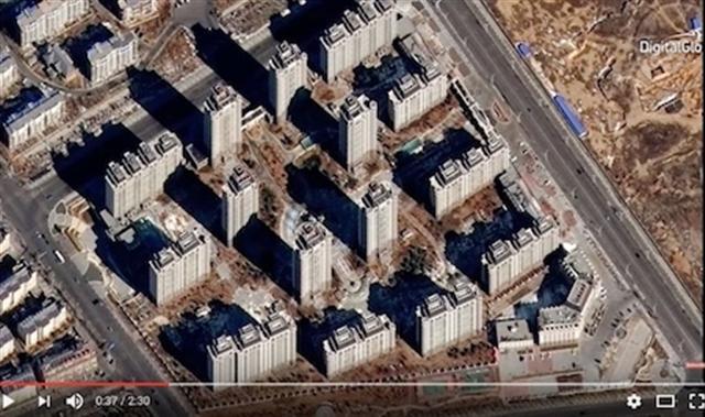 東升的這一開發區已投入使用,但似乎沒有什麼居民。(Youtube視頻截圖)