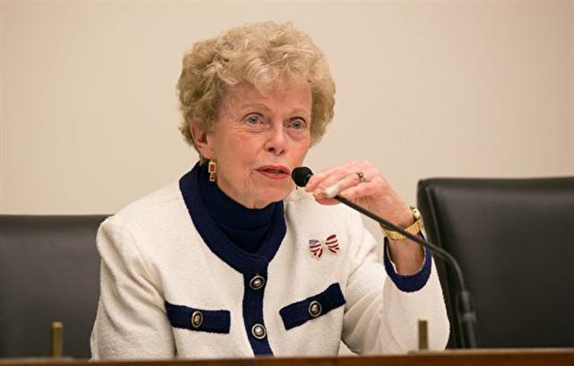 曾擔任國務院前助理國務卿Ellen Sauerbrey大使對法輪功學員的遭遇感到痛心。(李莎/大紀元)