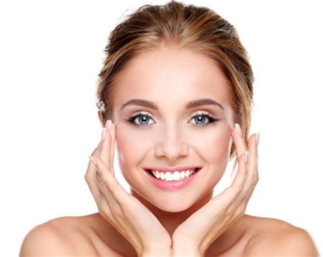 新鮮馬鈴薯汁液直接塗敷於面部,增白作用十分顯著。(Fotolia)