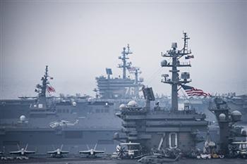 美航母與日艦聯合軍演影像曝光