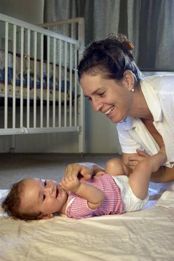 【影片】寶寶大便什麼顏色正常?什麼顏色不正常?