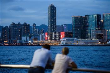 移交20週年 香港人「身分失落」 誰之過