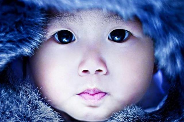 黑眼睛的孩童,眼神清澈的,彷彿是一顆閃耀著光芒的黑寶石。(王巧馨臉書)