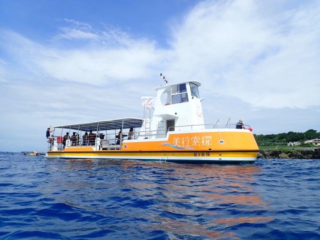 為維護小琉球海洋生態,當地業者千萬打造「探索拉美號」,是台灣唯一採雙引擎設計並加裝螺旋槳保護罩,強調安全且不傷及海龜,期待小琉球再現魚多、生物多、珊瑚多的盛況。 (大鵬灣管理處提供)