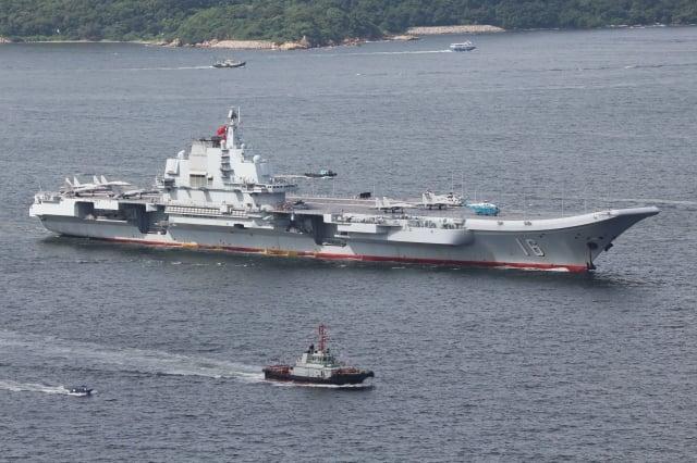 中國異議人士王中義分析,中共的軍事能力不如外界想像,基本沒有對外作戰能力。圖為中共遼寧號航母。(中央社資料照)