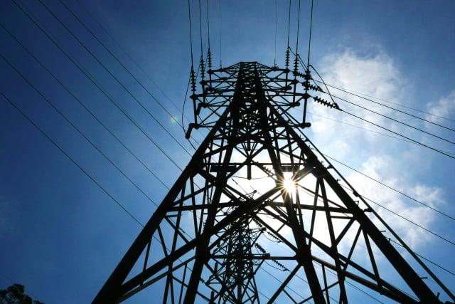 高溫導致用電量大增,備轉容量燈號也從黃燈轉為橘燈。(中央社資料照)