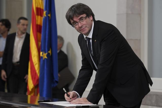 普伊格蒙特的言論不僅讓民眾失望,連馬德里當局批評他故意混淆。(AFP)