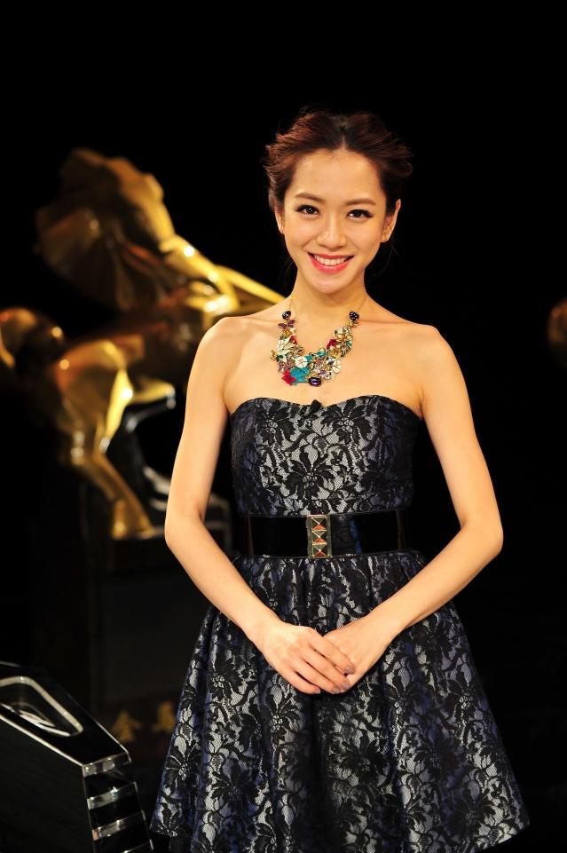 第54屆金馬獎星光大道由經驗豐富的楊千霈第8度擔當。