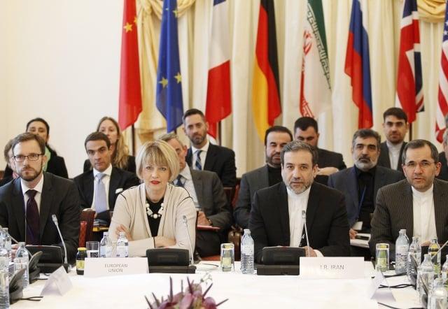 川普9月時表示,伊朗核協議是美國最糟糕且最片面的交易。圖為2015年簽署核協議。(Getty Images)