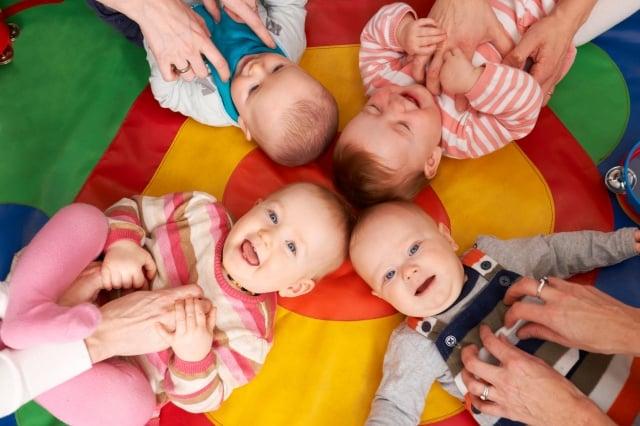 許多國家多採高福利、高課稅,在種種福利制度下,育嬰托兒相關措施甚為完備。(Fotolia)
