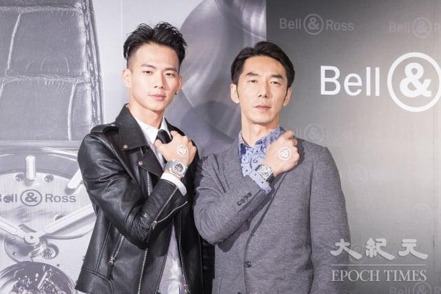 藝人吳念軒(左)、李李仁(右)11月14日在台北出席名錶活動走秀。(記者陳柏州/攝影)
