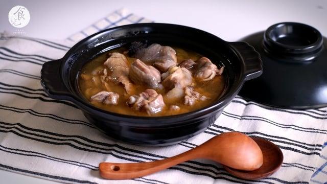冬季必備湯品「麻油雞」。(攝影/C2食光提供)