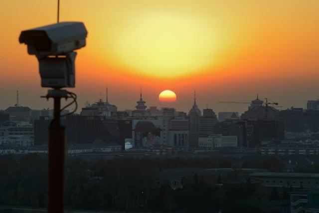 中共無處不在的「天網」監視鏡頭和人臉識別系統引發海內外的憂慮。(Getty Images)
