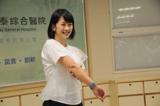 藝人李祖寧小姐病情獲得控制,手臂上只剩略為泛紅的病灶。