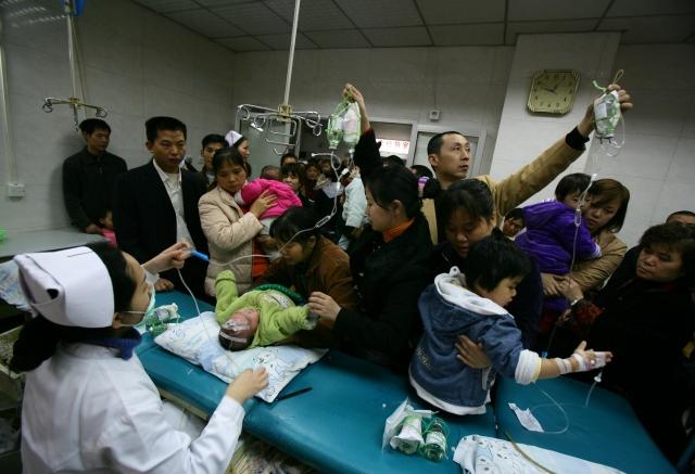 許多中國人對過度擁擠、資金不足的醫療系統抱持著深深的不信任。(Getty Images)