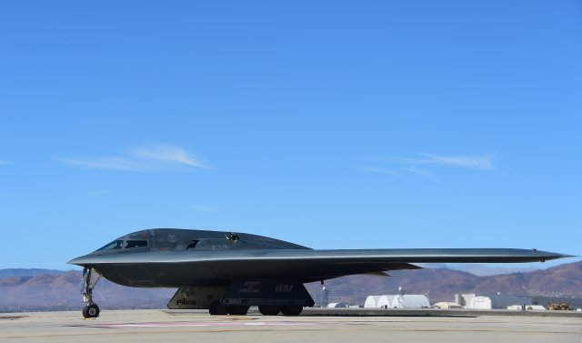 美國空軍宣布,已在關島部署三架擁有核能力的B-2隱形轟炸機(圖)及200名空軍人員。(FREDERIC J. BROWN / AFP)