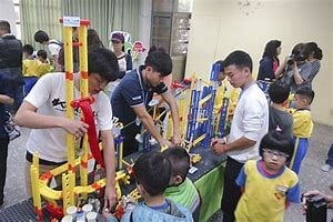 上石國小創意積木課程已3年,團隊自行研發52套積木創意課程。(上石國小提供)