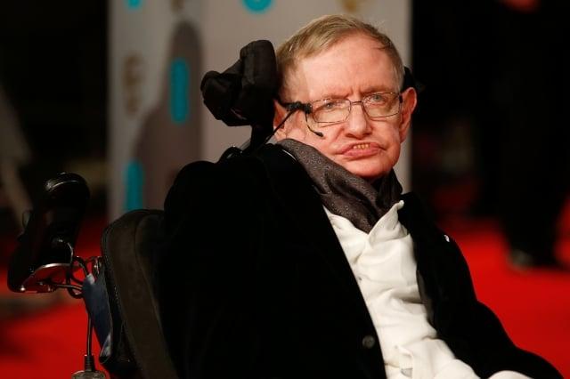英國著名物理學家霍金(Stephen Hawking)14日在睡夢中安詳離世,享壽76歲。(Justin TALLIS / AFP)