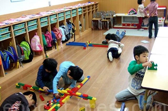 幼兒園虐童案頻傳,立委林俊憲表示,將提案修《幼教法》與《兒少法》強制幼兒園全面加裝監視器。圖為資料照。(記者章妮妮/攝影)