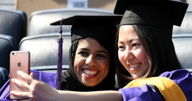 加拿大入籍政策最新修訂,有利留學生移民和入籍申請。(Getty images)