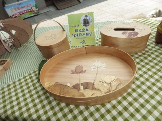 阿輝伯木藝坊展出的作品。