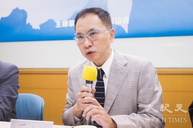 台灣智庫諮詢委員董立文表示,共軍準備在台海軍演,與藍綠無關,是中共一貫的對台策略,但對兩岸關係沒有任何幫助。(記者陳柏州/攝影)