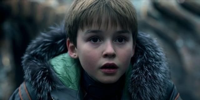 《太空迷航》影集中羅賓森一家五口,是推動故事發展的核心。(Netflix提供)