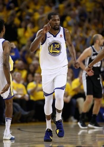 NBA/杜蘭特關鍵4分 勇士擊退馬刺