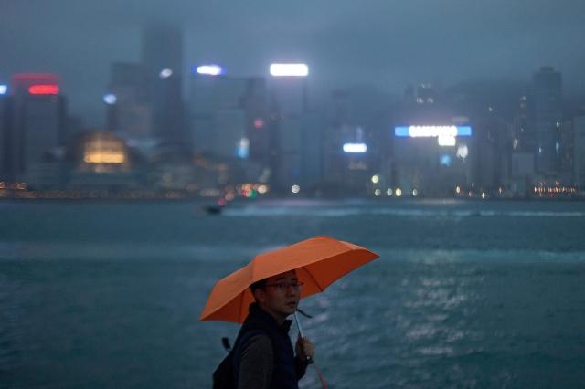 享譽全球的美國神韻藝術團至今未能前往香港演出,場地申請受阻是其中一個原因。圖為香港一景。(VIVEK PRAKASH/Getty Images)