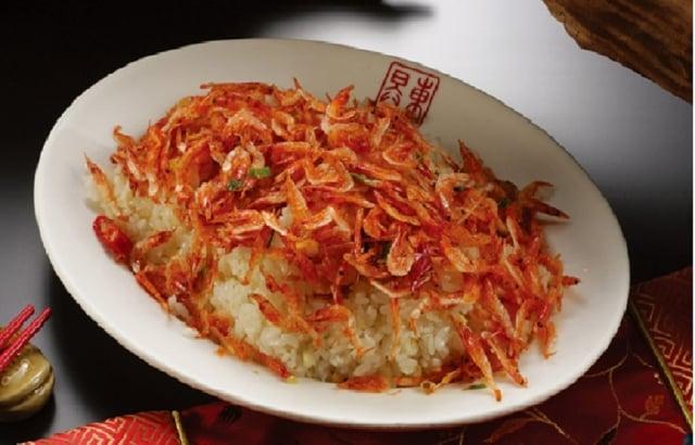 櫻花蝦料理令人垂涎。