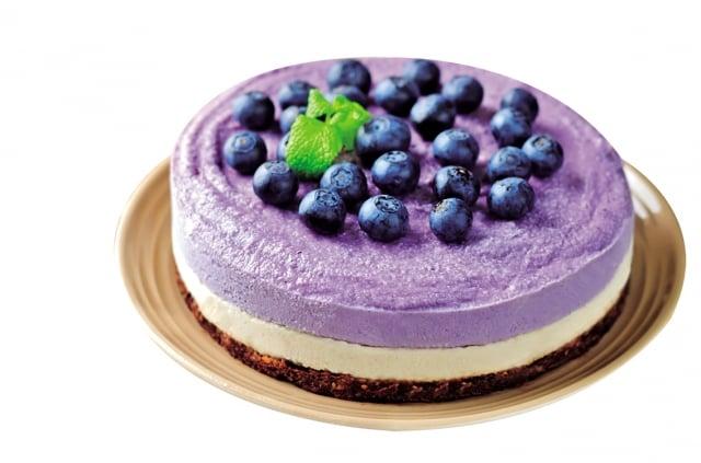 藍莓和黑莓等漿果呈現深色的花青素是一種天然抗氧化劑,除了能清除自由基,還有助於腦部產生多巴胺,改善協調力、記憶功能和情緒。(Fotolia)