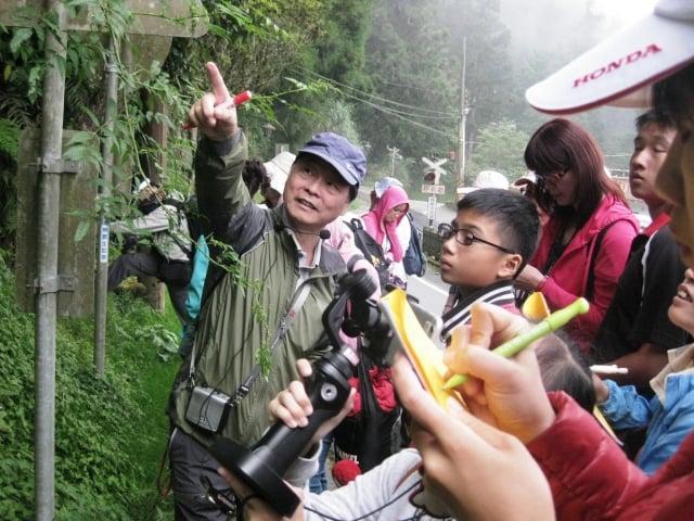 彭仁傑老師講解蕨類植物海金沙