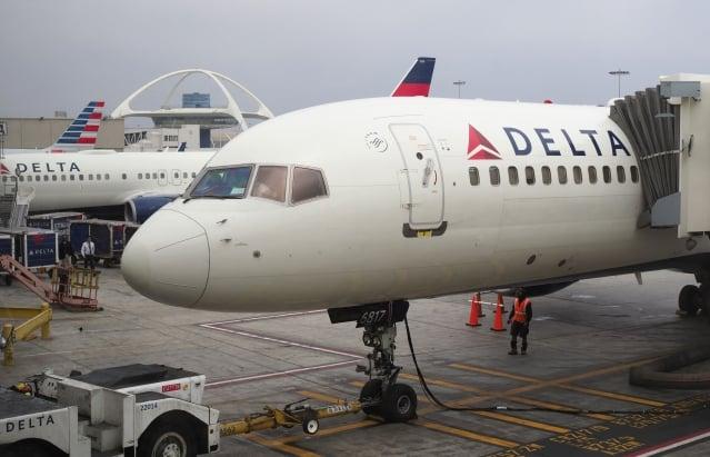 中共要求美國數家航空公司8月8日前更改網站上的台灣名稱,目前美國航空、聯合航空、達美航空3間美國航空公司,還未更改有關台灣標示,把台灣和中國並列在同個選項。(GettyImages)