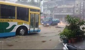 暴雨成災 員林市區成為水鄉澤國