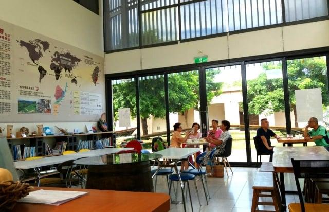 座落在台東美術館園區內的艾蘭哥爾咖啡。