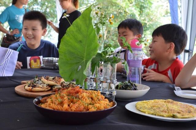 阿比野菜環島進入台灣18所小學。