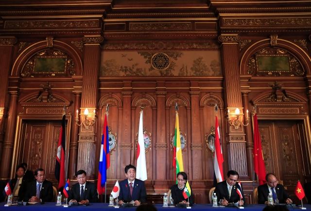日本與湄公河流域5國10月9日在東京都迎賓館舉行領袖會議。( FRANCK ROBICHON/AFP/Getty Images)