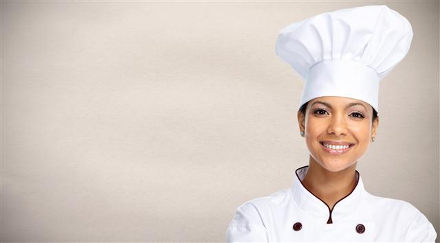 越來越多人也選擇智慧小家電烹煮食材,不僅省時省力,也營養美味。 (123RF)