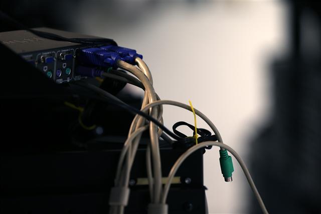 網路駭客攻擊猖獗,紐約時報21日指出,攻擊對象已轉向企業勒索,受害者也擴及全球各製造大廠,但許多廠商卻輕忽風險。圖為示意圖。(Getty Images)