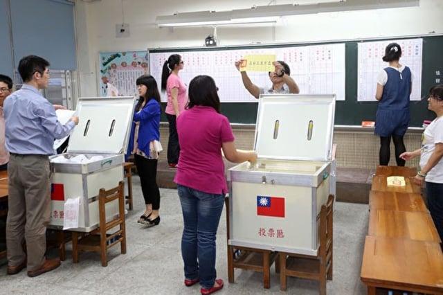 國安人士表示,中共平時對台統戰滲透,拉攏基層、培植親中勢力與在台代理人,而此次台灣的選舉結果,就是中共驗收統戰滲透的成績單。圖為資料照。(中央社)
