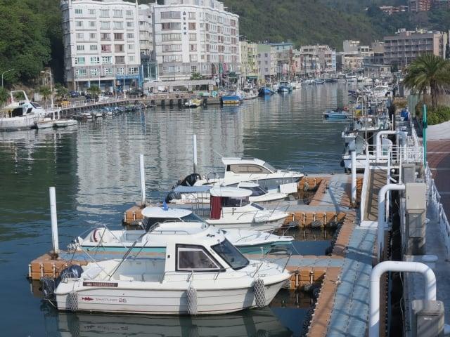 來到高雄旅遊很多遊客選擇到渡輪碼頭乘船,去旗津玩水、吃海鮮。(攝影/鄧玫玲)