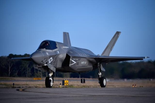 美國聯邦參議院通過「亞洲再保證倡議法」草案,籲美國總統定期辦理對台軍售。圖為我國一直想購得的F-35戰機。(Jeff J Mitchell/Getty Images)