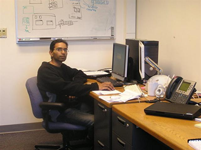 在佛羅里達大學就讀期間的蘇曼。(Suman Srinivasan提供)