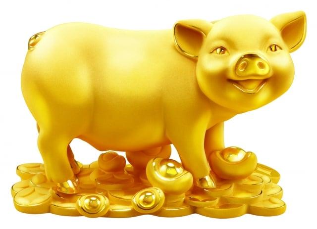 登錄7-ELEVEN發票抽獎活動,加碼抽「周大福黃金豬」,有2兩、3兩、5兩及10兩不同尺寸的金豬,共6隻市價超過248萬元。(7-ELEVEN提供)