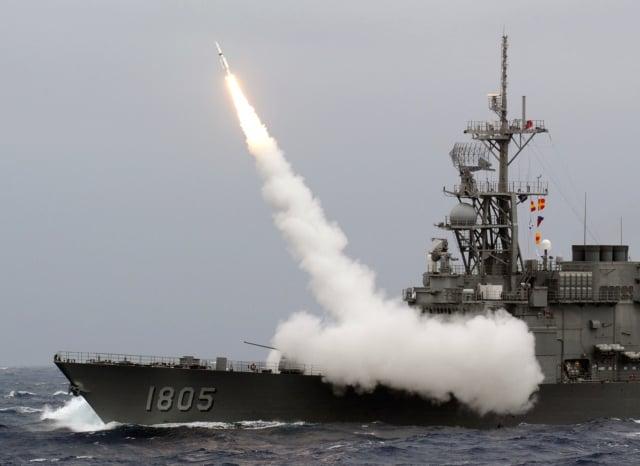 美國智庫專家易思安說,若中共企圖發動台海戰爭,可能要同時面臨美軍及印度軍隊,進入「五大聯合作戰行動」,這樣作戰將是共軍的噩夢。圖為中華民國海軍軍事演習。(SAM YEH/AFP/Getty Images)