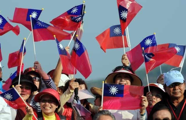 來自美國、加拿大、英國及澳洲等國家的44位學者、美國政府前官員,8日聯名發表給台灣人民公開信,呼籲台灣人民應團結對抗中共。圖為示意圖。 (PORNCHAI KITTIWONGSAKUL / AFP / Getty Images)