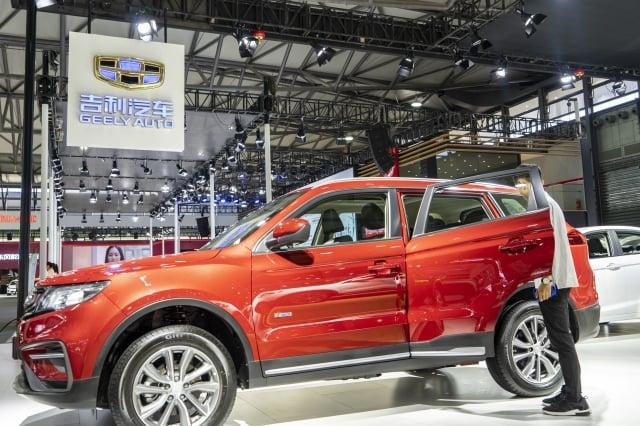 吉利汽車12月中國市場銷量暴跌44%。圖為2018年浦東國際車展上的吉利汽車。(大紀元資料室)