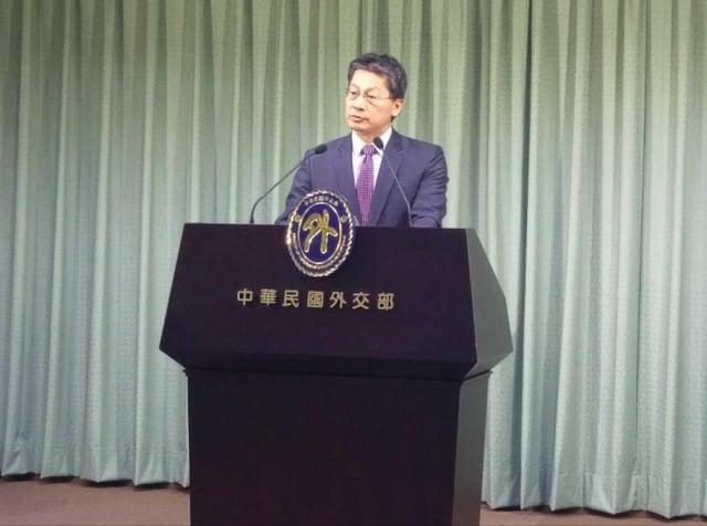 外交部發言人李憲章10日表示,貴婦奈奈護照尚未註銷。(記者李怡欣/攝影)